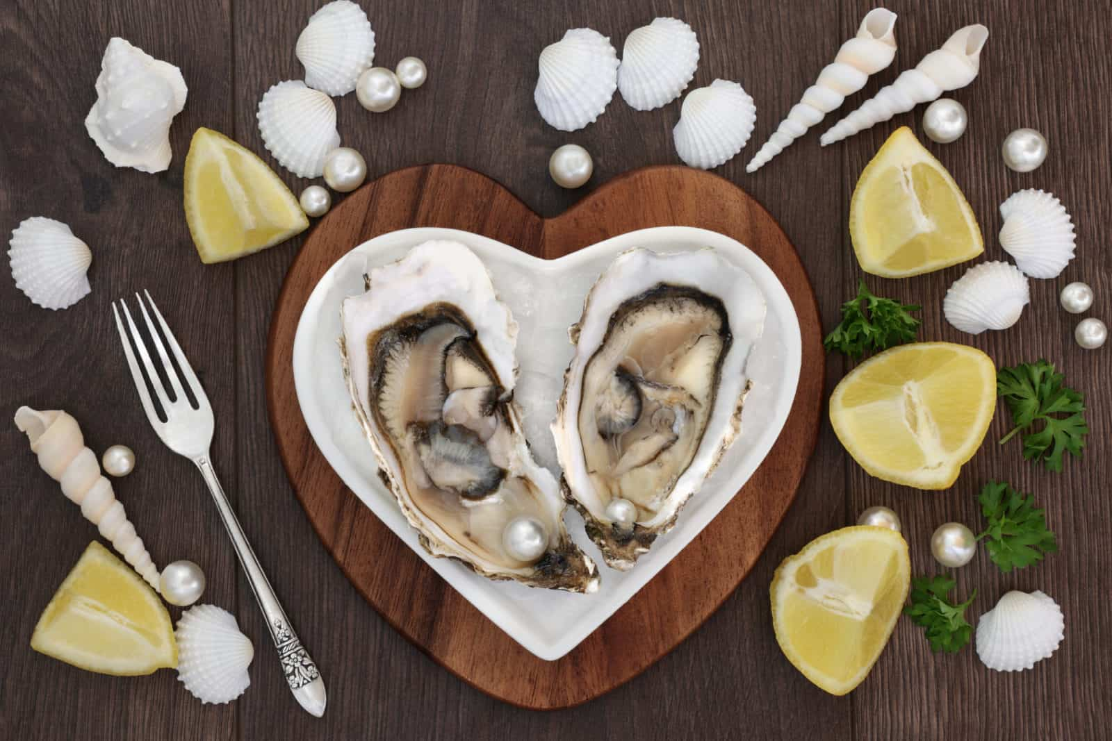 afrodiziákumok osztriga, valentin-nap, vágykeltő ételek, vágykeltő italok, vágykeltő fűszerek